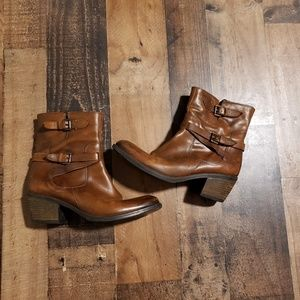 9.5 Clark's Leather Boots